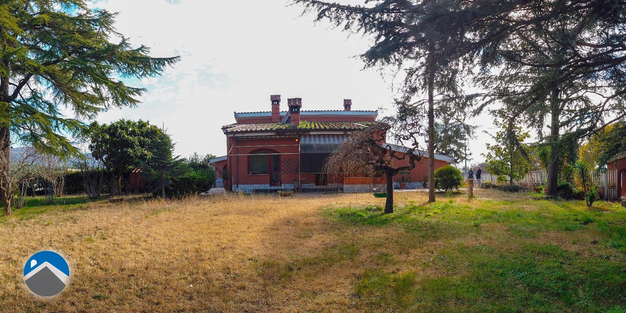 Villa Adriana, via Filippo Guglielmi, Villa Unica