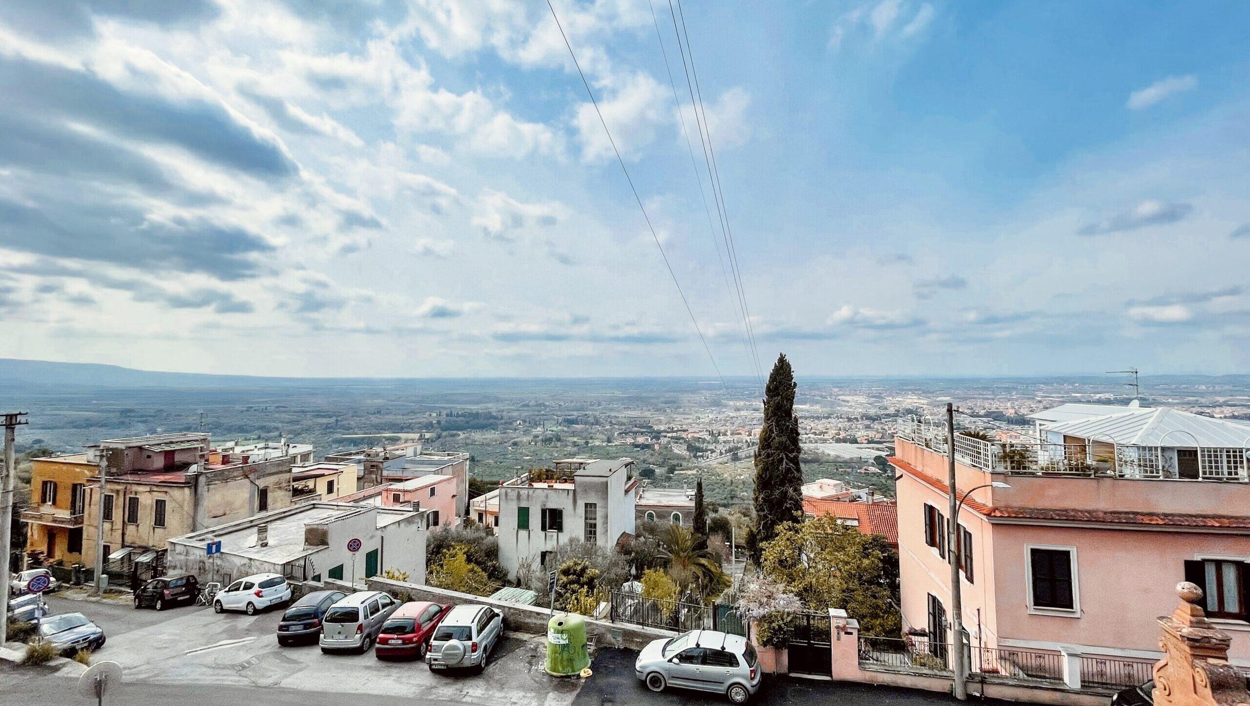 Tivoli, viale Cassiano, appartamento ampia metratura