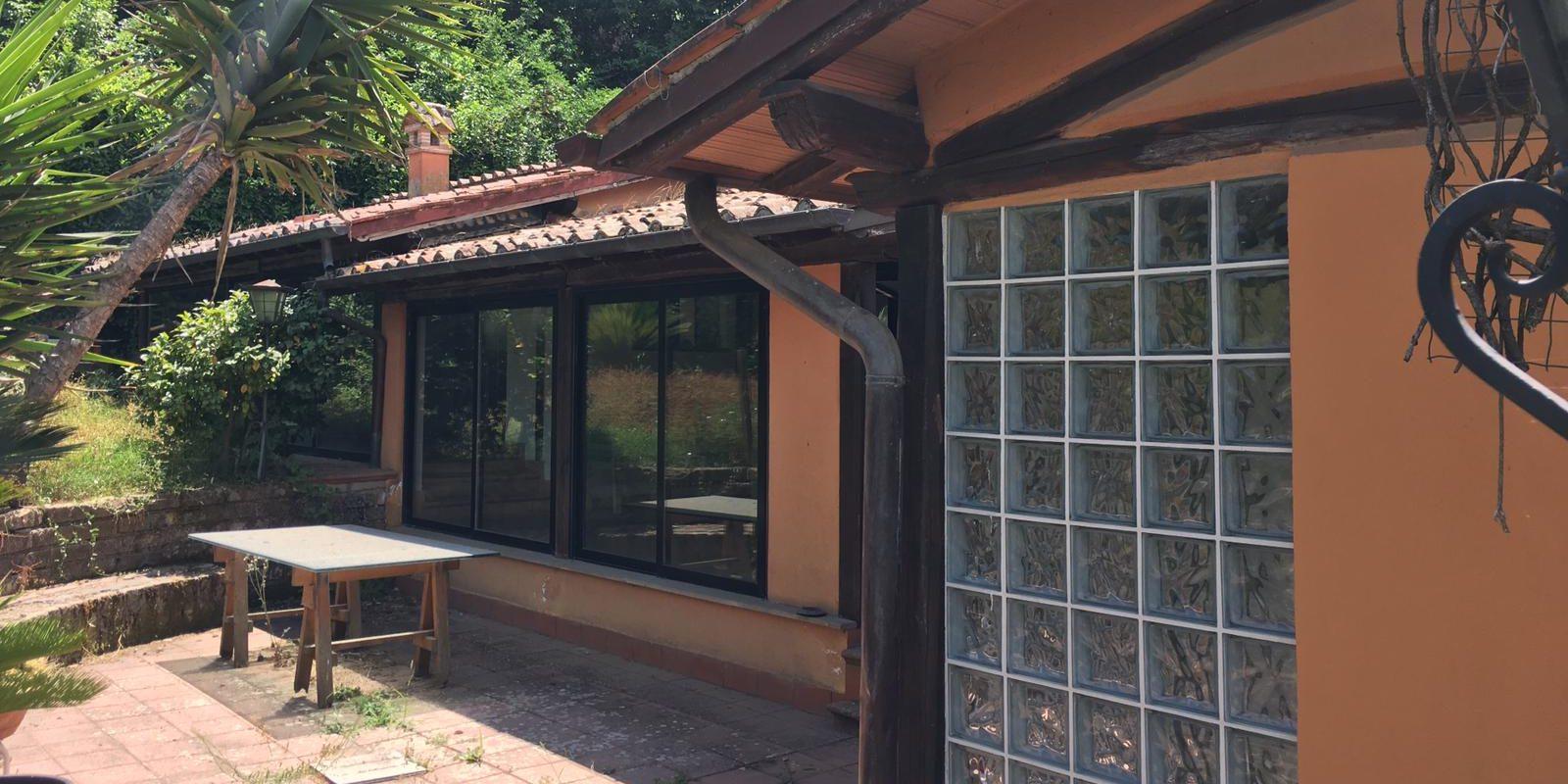 Villa a Monte Porzio Catone, Via Dell'Osservatorio 11 bis